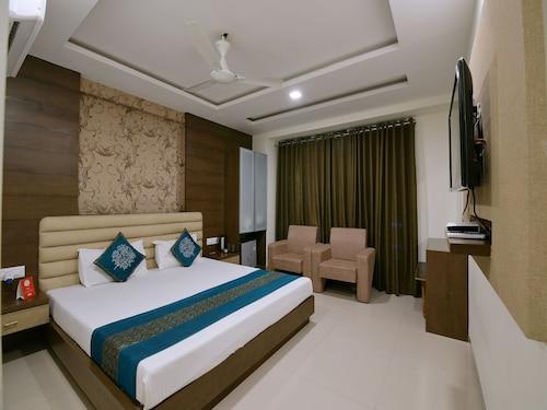 OYO 4119 Hotel King Palace, Ujjain