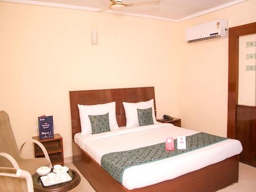 OYO 7666 Hotel SilverLine, Visakhapatnam
