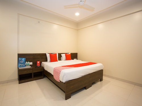 OYO 11512 Hotel Kedari Residency, Pune