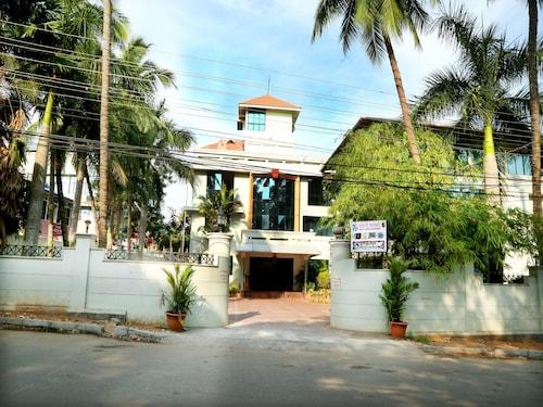 OYO 8008 Hotel Sabari Park, Thiruvananthapuram
