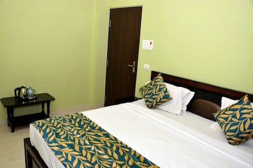 OYO 11480 Hotel Blue Star, Varanasi