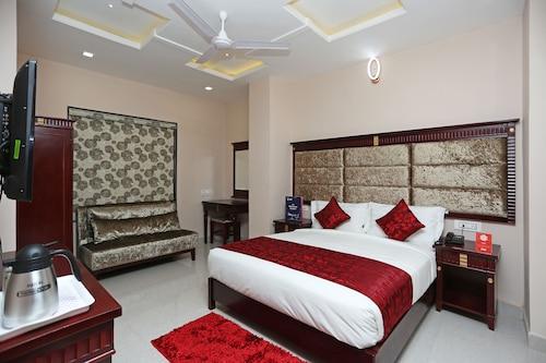 OYO 11364 Eleven Heights, Bhopal
