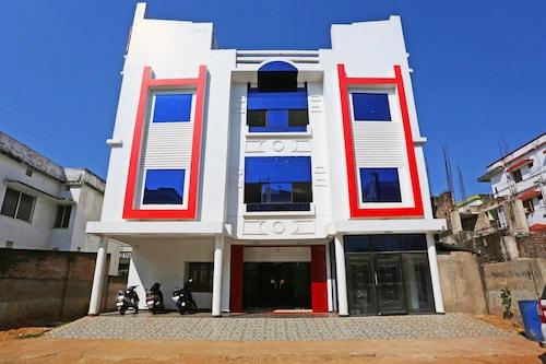 OYO 8740 Nayapalli, Khordha