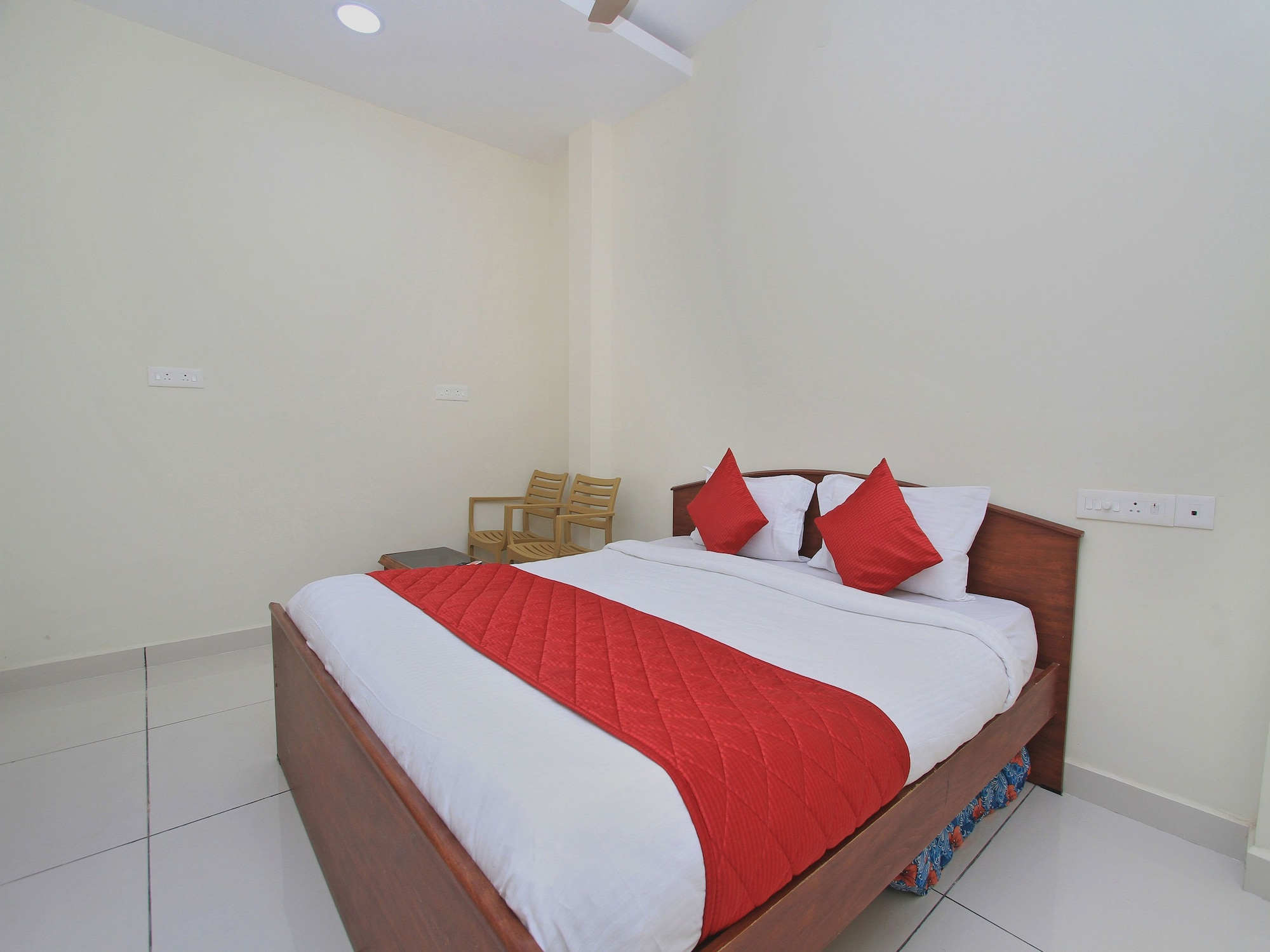 OYO 10777 Home Compact 2BHK Goubert Market, Puducherry