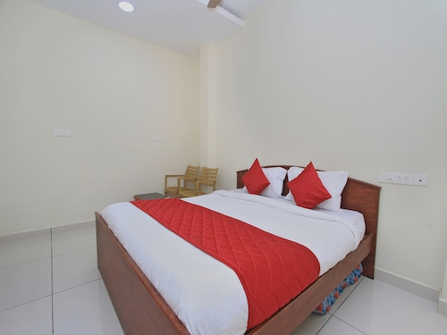 OYO 10777 Home Compact 2BHK Goubert Market, Puducherry