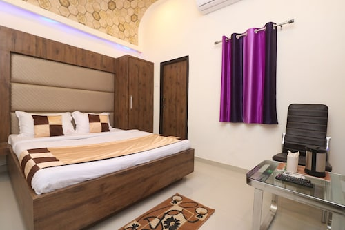 OYO 10991 Hotel Gagan, Kanpur Nagar