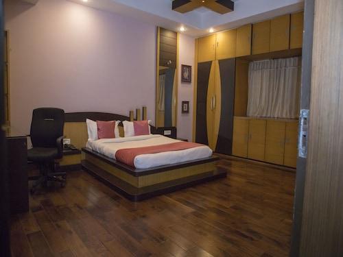 OYO 11345 Hotel White House Inn, Khordha
