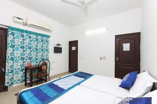 OYO 20004 SilverKey Kodambakkam, Chennai