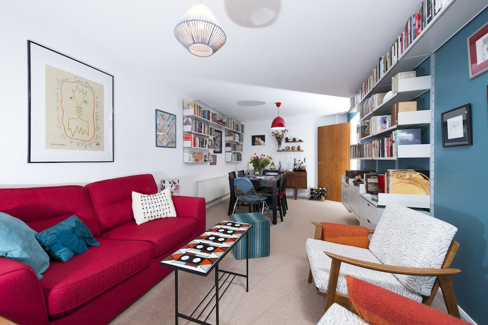 Stunning 2BR Flat in Camden on the Canal