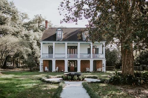 Mouton Plantation, Lafayette
