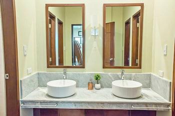 ZEN GARDEN Bathroom Sink