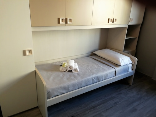 Bgy Central Apartment, Bergamo