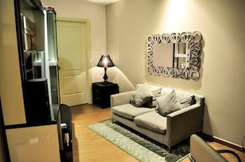 GRAMERCY RESIDENCES Living Area