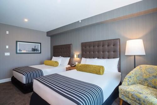 Sandman Hotel Hamilton, Hamilton
