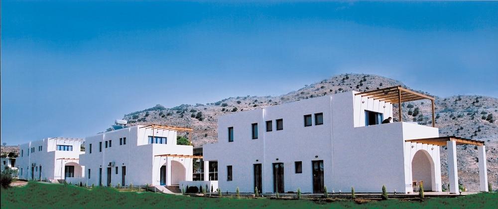 Katikies Studios & Apartments, Featured Image