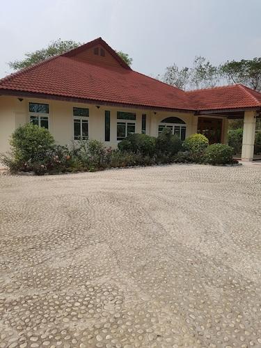 Ying's Guest House, Muang Buri Ram