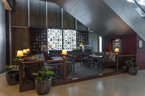 The Alpha Suites, Makati City