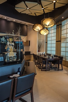 THE ALPHA SUITES Dining