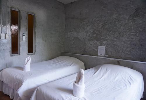 K-1 Modern Art Hotel, Muang Nan