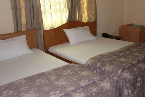 KCS Guest House, Tema