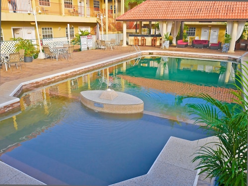 . Hotel North Resort
