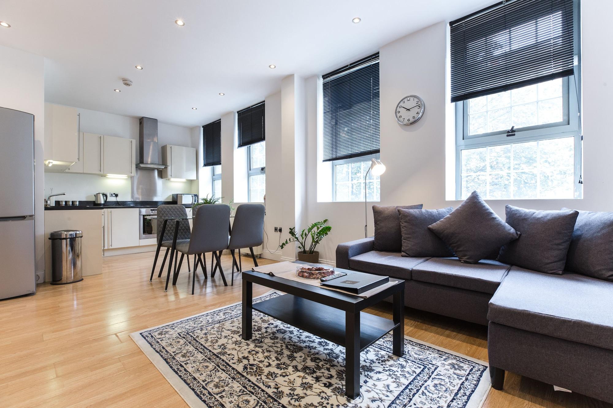 Aldgate Apartments, London