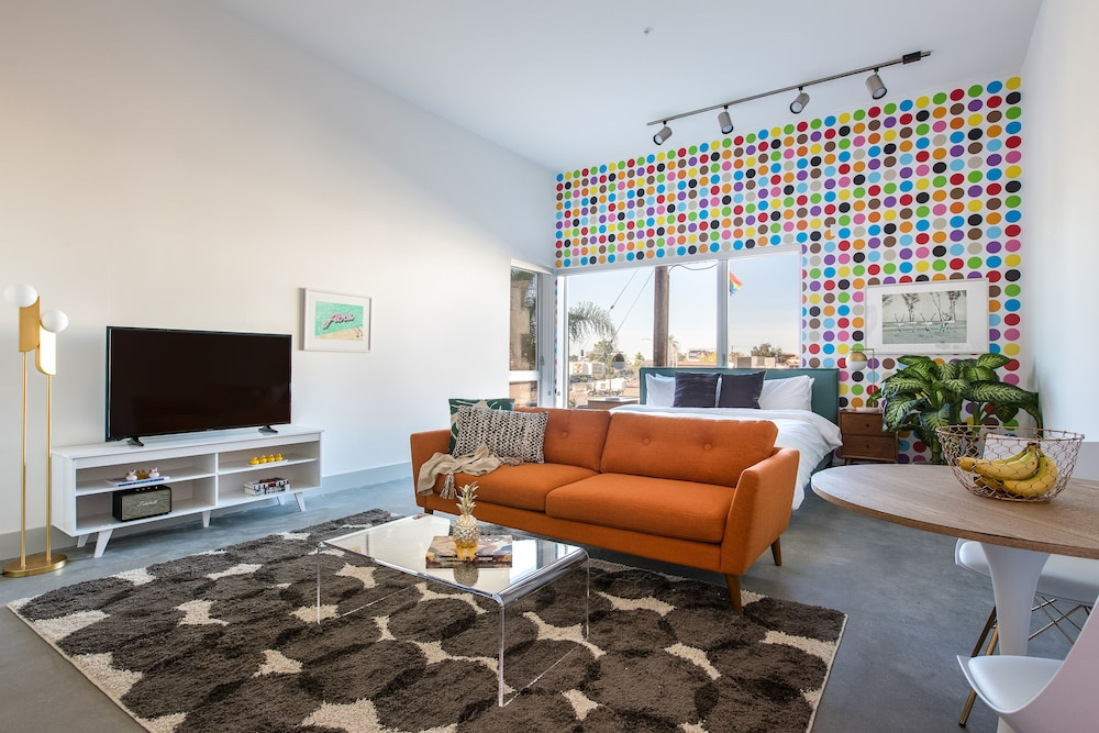 Lively Studio in Hillcrest by Sonder