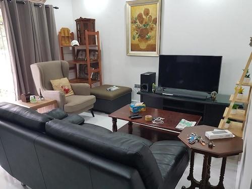 Corner House Near KLIA & Sepang Circuit, Seremban