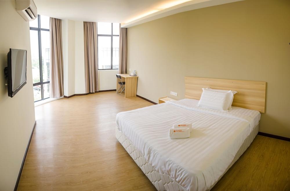 オレンジ ホテルズ スンガイ ブロー