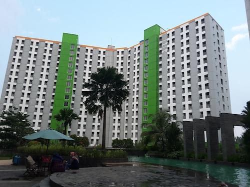 Green Lake View Luxury Apartment by Indah, Tangerang Selatan