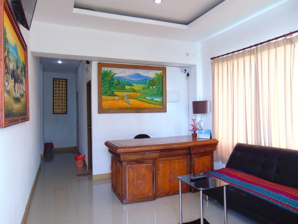 Room 868