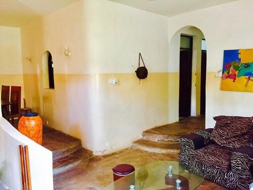 Akogo House, Nyali