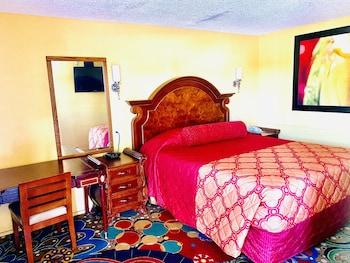 Basic Single Room, 1 King Bed