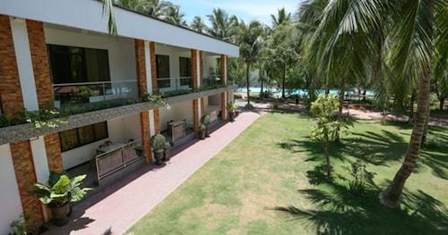 Villa Soledad Beach Resort, Bolinao