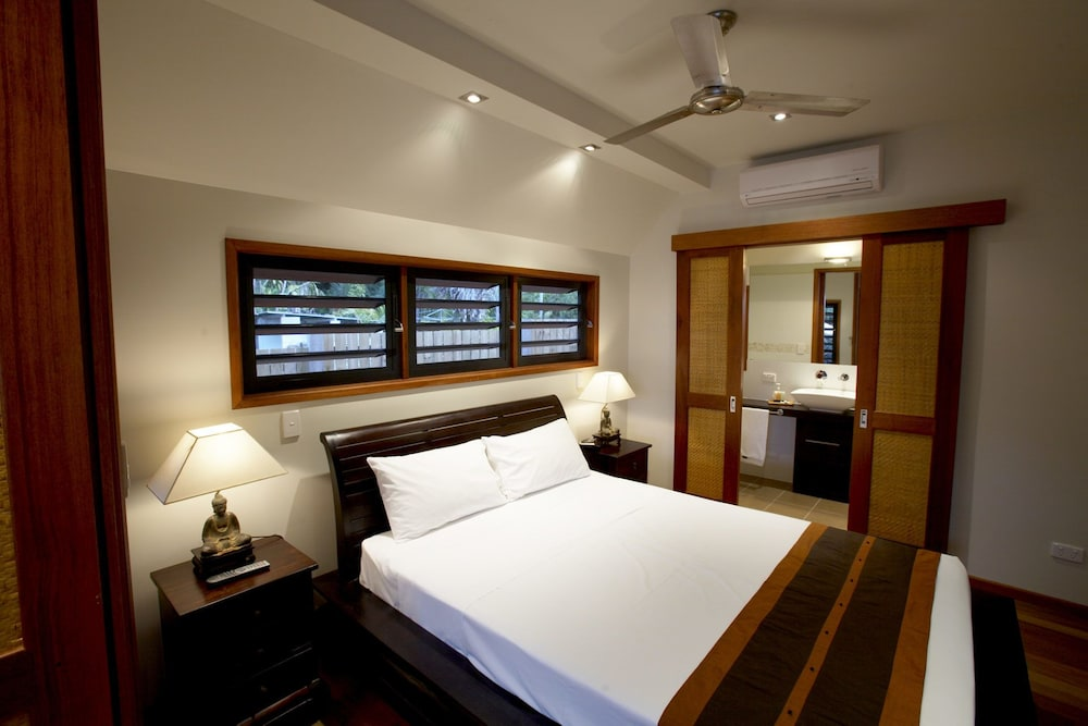https://i.travelapi.com/hotels/24000000/23250000/23244300/23244259/f15dd496_z.jpg