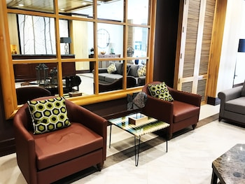 CEDAR PEAK CONDO NEAR SESSION ROAD Lobby Sitting Area