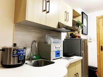 CEDAR PEAK CONDO NEAR SESSION ROAD Private Kitchen