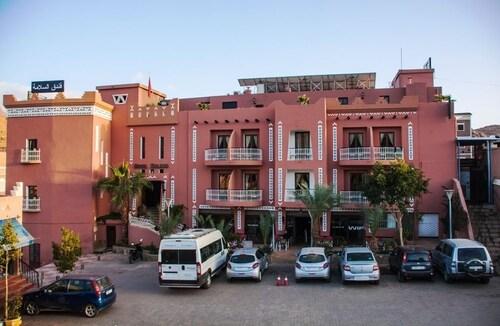 . Hotel Salama