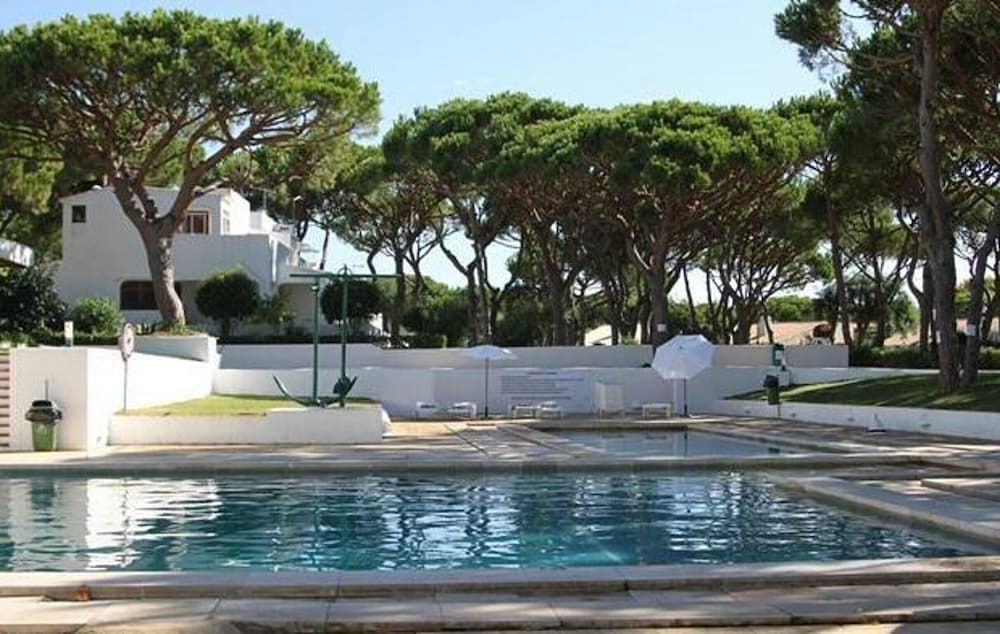 House With one Bedroom in Albufeira, With Pool Access, Furnished Garden and Wifi