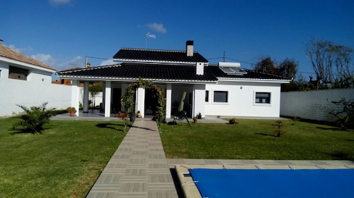 Chalet With 4 Bedrooms in Chiclana de la Frontera, With Private Pool a, Cádiz