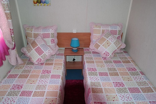 Chalet With 2 Bedrooms in Quarteira, With Pool Access and Furnished Ga, Loulé