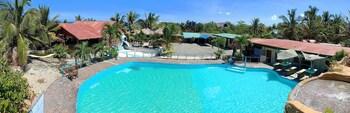 PRECIA VILLAVERT BEACH RESORT Outdoor Pool