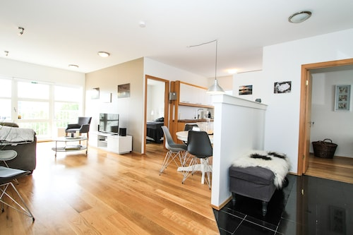 . Downtown Charm Reykjavik, 2 Bedrooms With Balcony