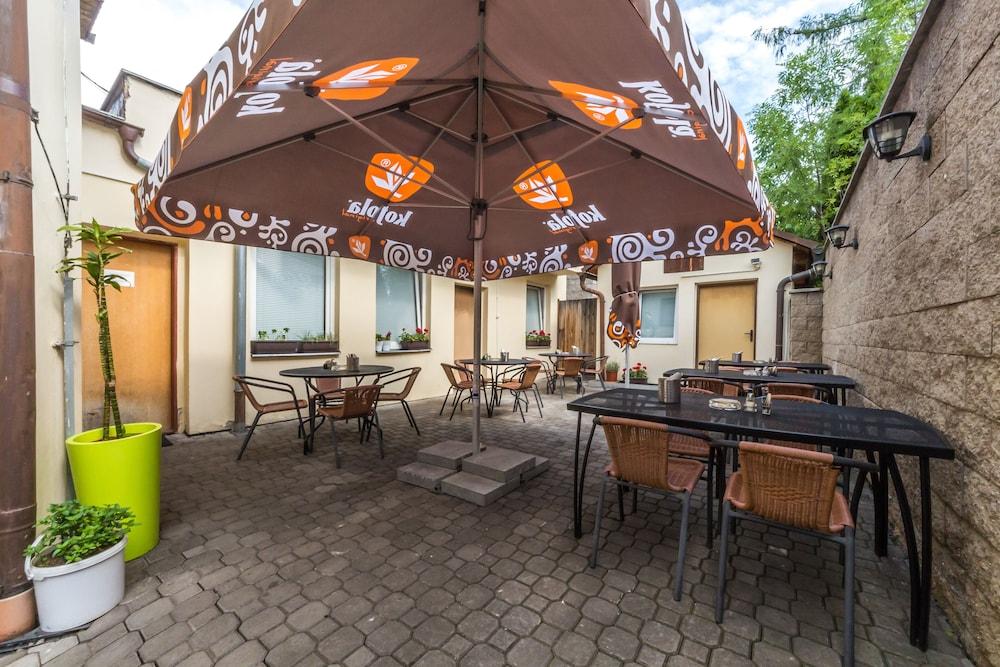 ノヴァ ホスポダ - ホテル & レストラン