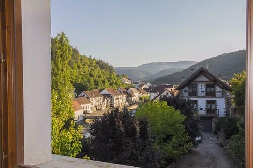 Bidezarra Etxea, Navarra