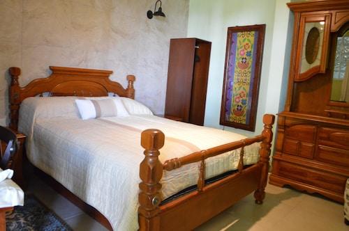 . Hotel Las Candelas