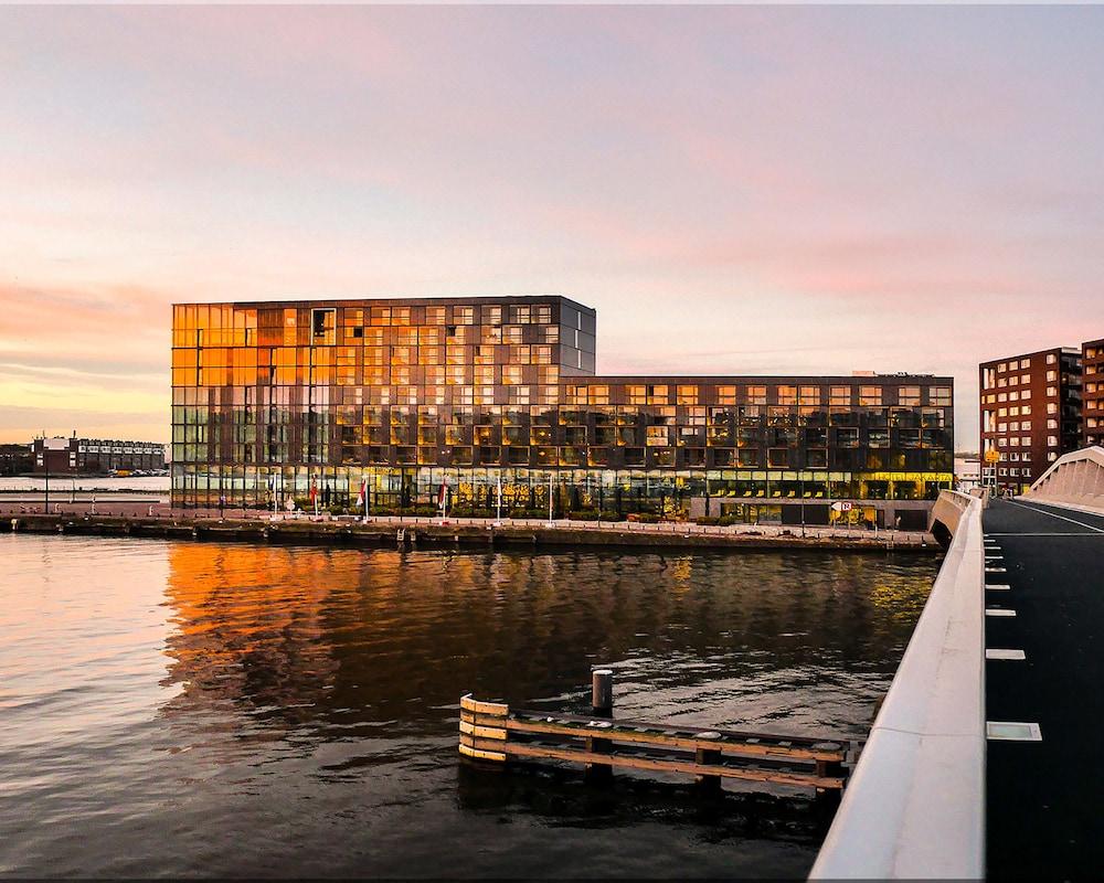 Hotel Jakarta Amsterdam, Featured Image