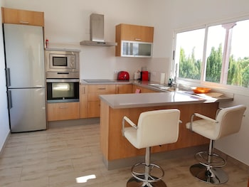 Apartment With one Bedroom in Nazaret, With Enclosed Garden and Wifi -