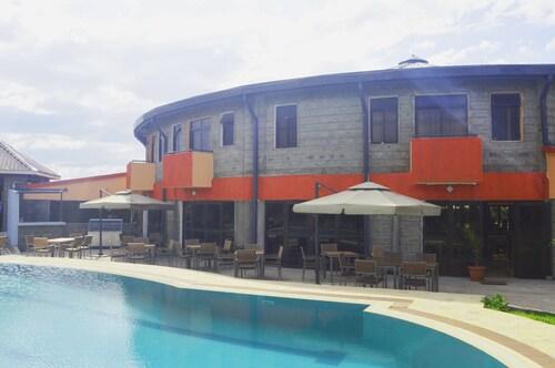 Jaqanaz Resort, Kieni