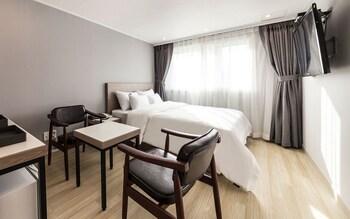 Standard Tek Büyük Yataklı Oda, Sigara İçilebilir (b)